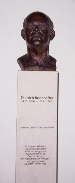 Flossenbürg,_Bonhoeffer-Büste
