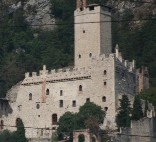 Abhang-Burg-Turm_995 (2)